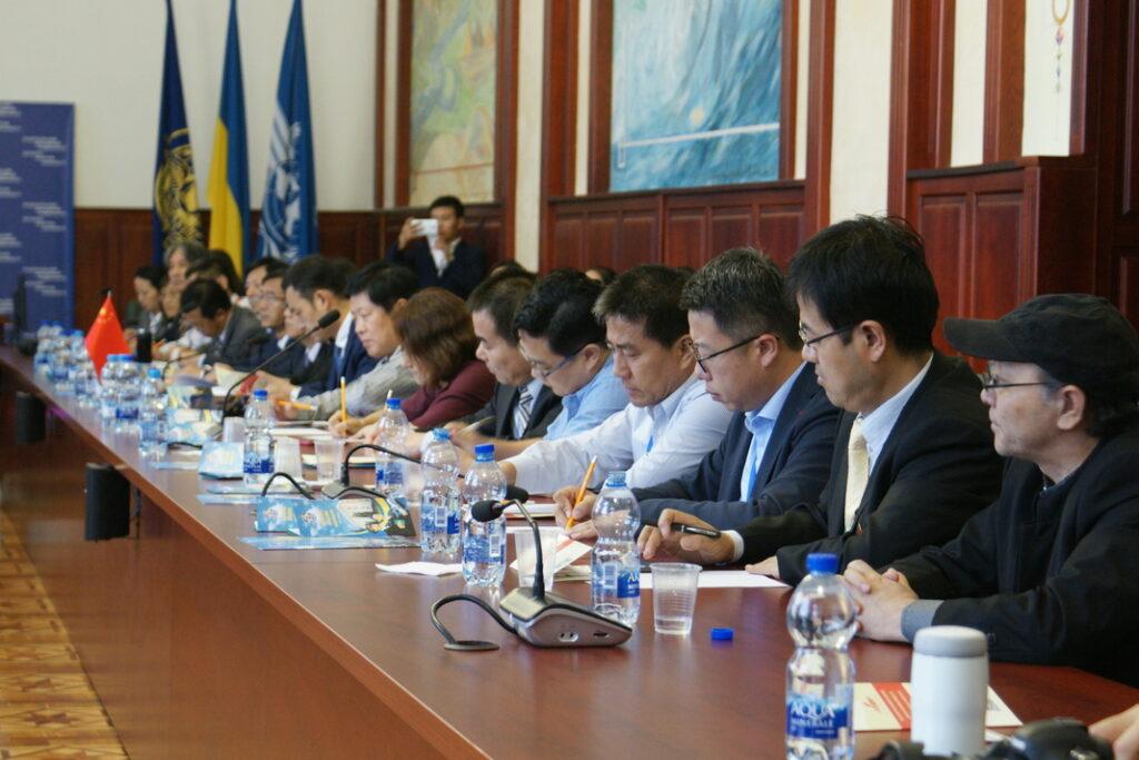 (Українська) Відбулась зустріч з освітянами провінцій Хейлунцян та Шеньсі